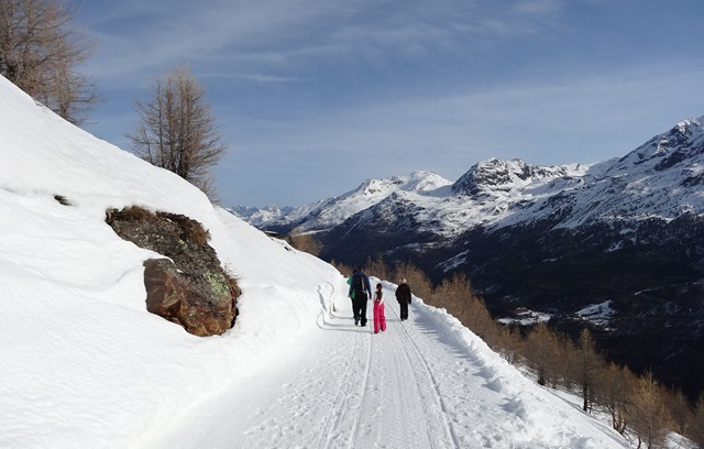 Saas-Fee, Switzerland - 5 reasons to choose Saas-Fee for your next family ski holiday - Photo: weathertoski.co.uk