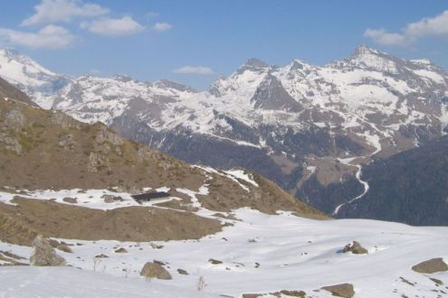 Cervinia, Italy - Weather to ski - Snow report, 14 December 2015