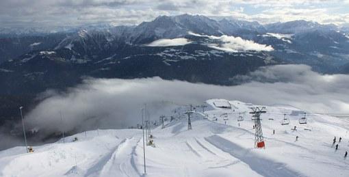 Laax, Switzerland - Weather to ski - Season progress report, Mid December 2015