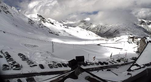 Passo Stelvio, Italy - Weather to ski - Snow news, 17 June 2016