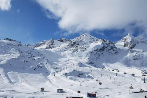 Great snow conditions on the Stubai glacier, Austria, on 11 November 2019 – Weather to ski – Snow report 11 November 2019