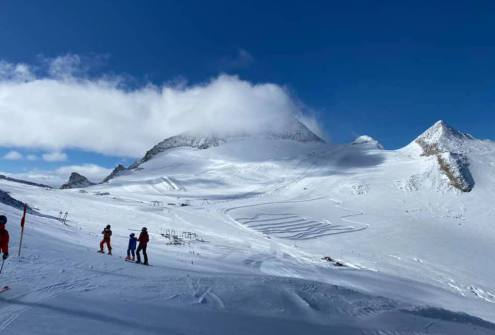 Hintertux, Austria - Weather to ski - Where to ski in the Alps in October
