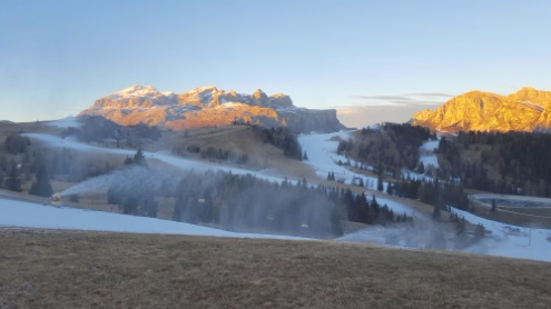 Dolomiti Superski area, Italy - Weather to ski - Season progress report, Mid December 2015