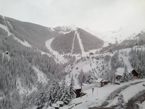 Auron, France – Weather to ski – Snow report, 12 April 2018