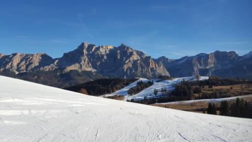 Dolomites, Italy - Weather to ski - Complete guide to early season snow conditions in the Alps