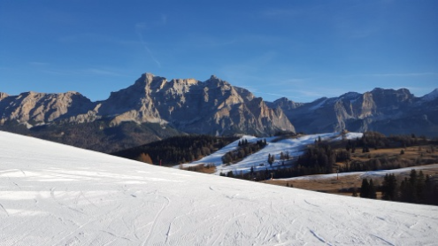 Dolomites, Italy - Weather to ski - Who got the most snow in the Alps in 2015-16?