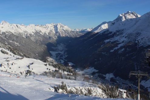 Thin snow lower down in St Anton, Austria, 3 December 2019 – Weather to ski – Snow report, 3 December 2019