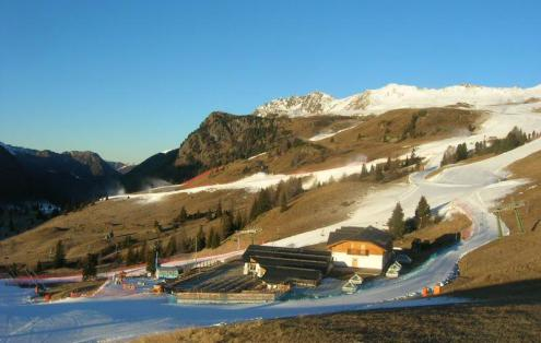 San Pellegrino, Italy – Weather to ski – Today in the Alps, 6 December 2016