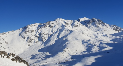 Unusually warm and sunny weather in Les Arcs, France on 22 February 2019 – Weather to ski – Who got the most snow in the Alps in 2018-19?