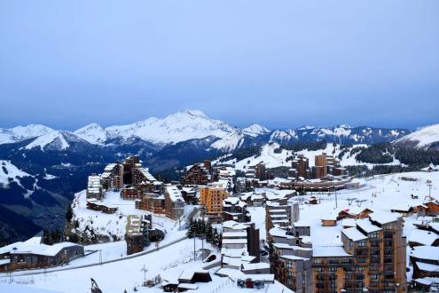 Modest snow cover in Avoriaz, France, 14 November 2019 – Weather to ski – Today in the Alps, 14 November 2019
