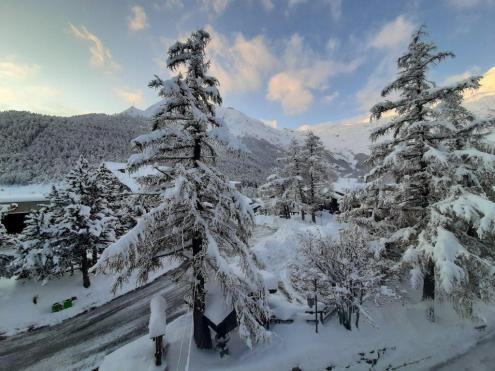 Huge quantities of snow in Saas-Fee, Switzerland – Weather to ski – Today in the Alps, 19 November 2019
