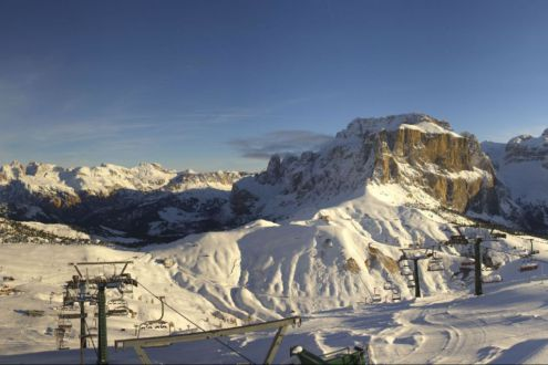 Beautiful morning in Campitello, Italy, 25 November 2019 – Weather to ski – Today in the Alps, 25 November 2019
